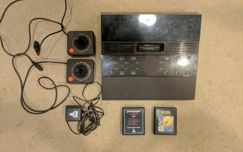Imagem de Modelo Super Raro de Atari 2700 é encontrado na California