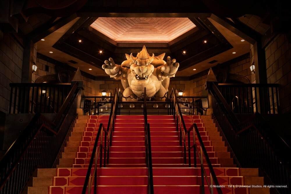 Estatua gigante do Bowser